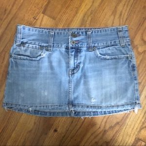 American Eagle Distressed Blue Jean Skirt Size 6